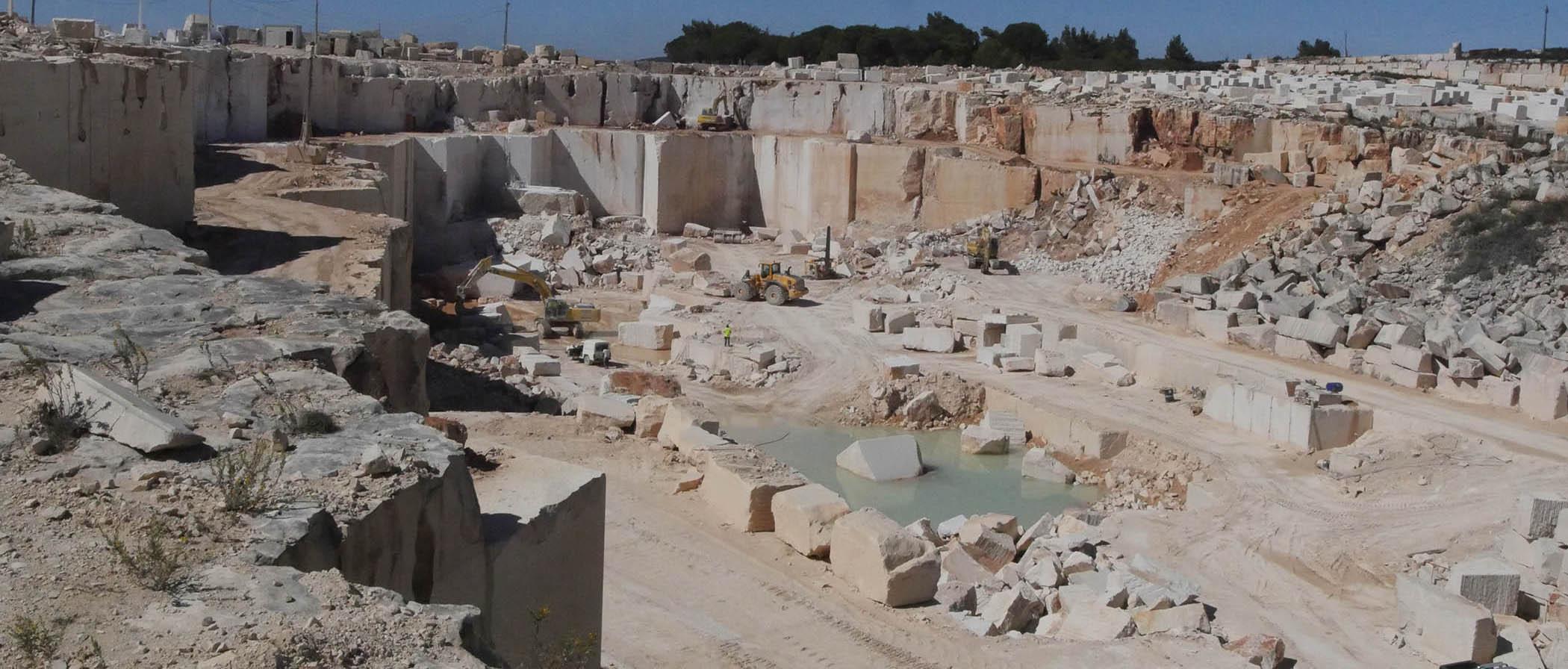 Moca quarry (2)